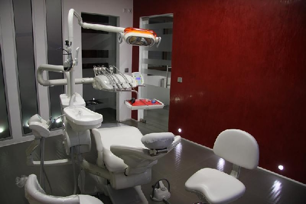 Cabinet Implantologie | CLINICA SWISS DENTAL