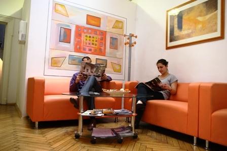 Sala de asteptare | Centrul Medical Recumed -  Clinica de Recuperare  Medicala
