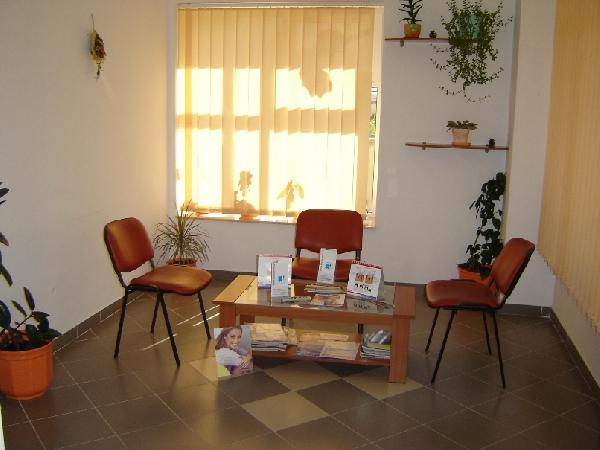 Sala asteptare | DENTAPRO IMPLANT CONSTANTA
