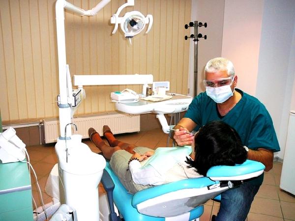 Cabinet | Cabinet stomatologie si implantologie Dr. Leca Eduard
